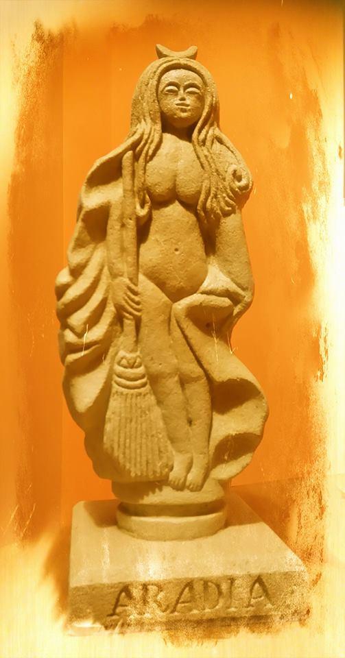 figura de piedra de Aradia