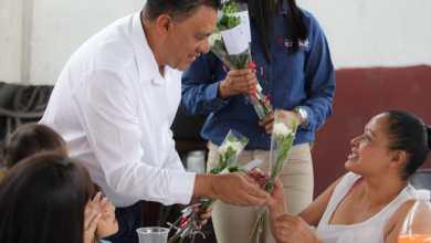 Va Fermín Bernabé por respaldo de madres jefas de familia