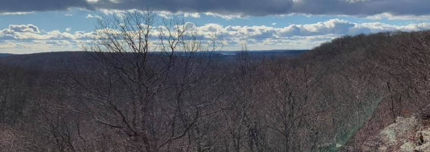 Hiking to the Headley Overlook at Mahlon Dickerson