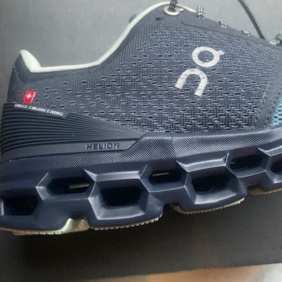 on cloudstratus shoe review