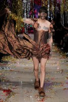 """Vivienne Westwood, Leebo Corset Dress, Collection: UNISEX – """"Time to Act"""", Look: #47, Season: Autumn-Winter 15/16 (Foto: UGO Camera for Vivienne Westwood)"""