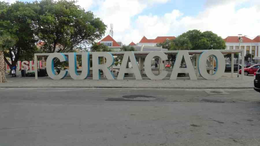 letreiro Curaçao