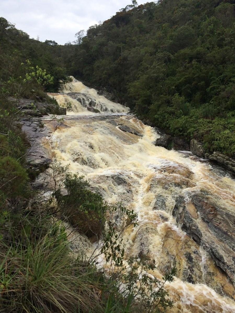 Descendo pela margem direita do Rio de Salto