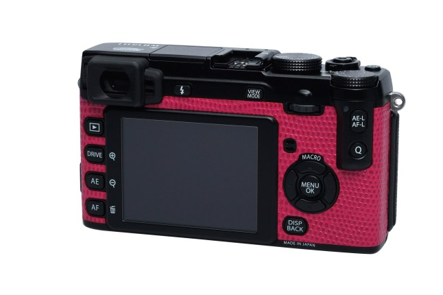 Black X-E1 in Deep Pink