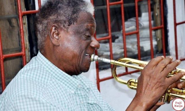 Victor Olaiya - Oruku Tindi Tindi