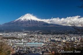 街と富士山2017.12.25