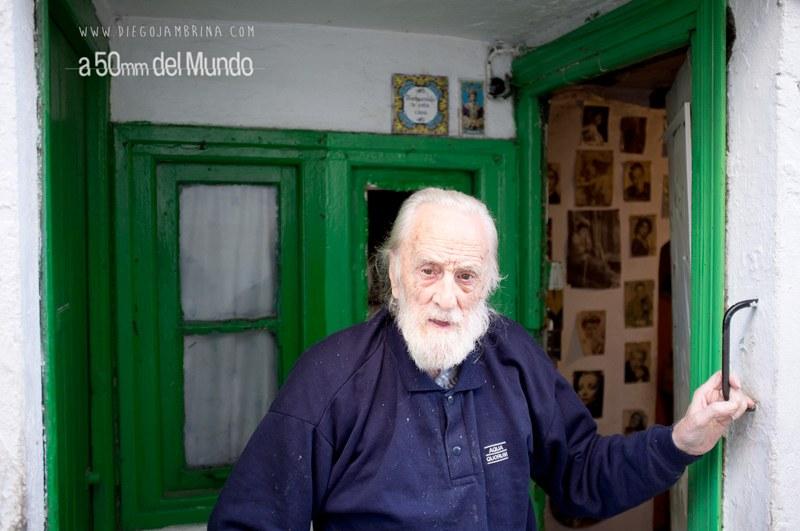 Karolo, el personaje más viejo del Puerto Viejo