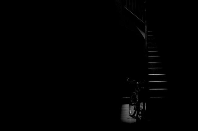 """""""Light, stars and bike"""" por  Gerard Alis, con Fuji X-S1."""