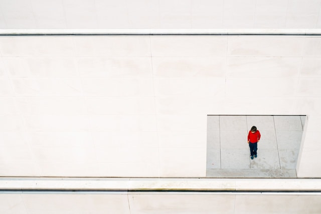 """""""Lines and red"""" por Manel Gómez, con Fuji X-E1."""