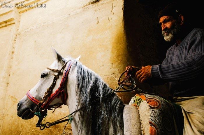 """""""Horseman in Fez"""" por Óscar Arranz con Fuji X30."""