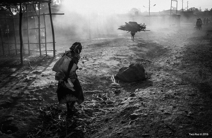 """La dura vida"" por Yago Ruiz, con Fuji X100."