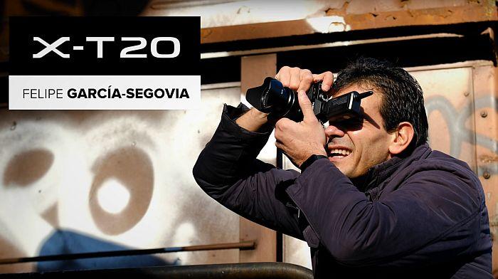 Felipe García-Segovia probando la Fuji X-T20.