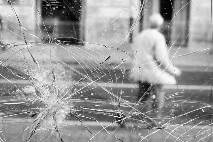 """Desafío fotográfico fujista: """"tras el cristal""""."""