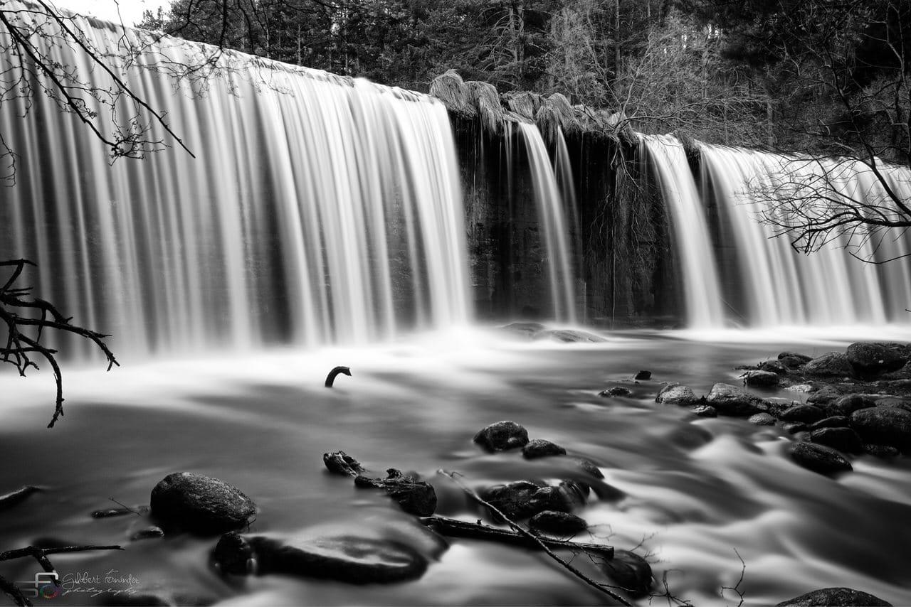 """""""El sonido monocromo del agua"""", por Jose Manuel Gilabert. Con Fuji X-T2 + XF 18-55mm."""