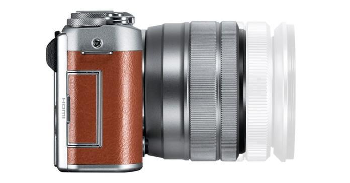 Comparativa de tamaño entre el Fujinon XC 15-45mm F3.5-5.6 OIS PZ y, semitransparente, el Fujinon XC 16-50mm F3.5-5.6 OIS II.