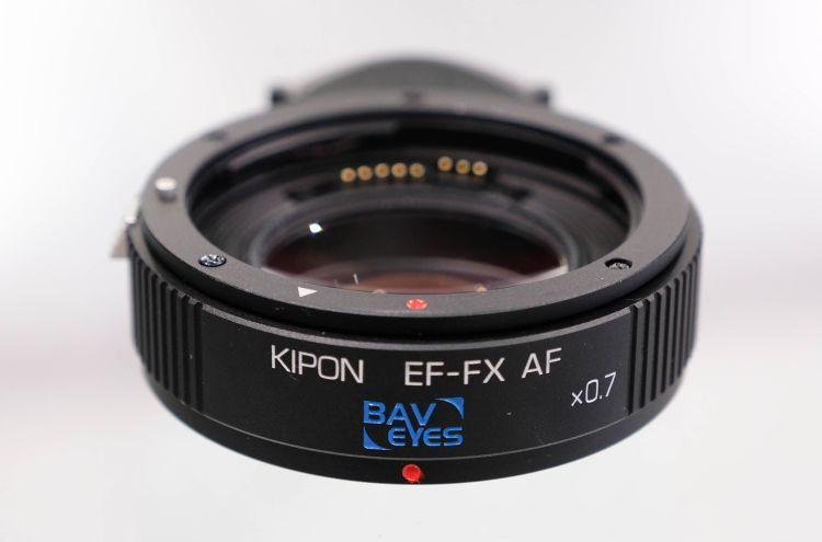 Kipon Baveyes EF-FX con reductor de focal x0,7.