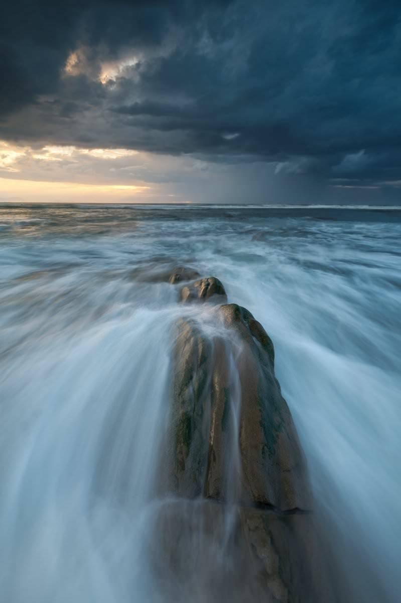 """""""Comulonimbus (playa de barrika)"""" por Aitor Acedo. Fujifilm X-T2 + XF 10-24mm F4."""