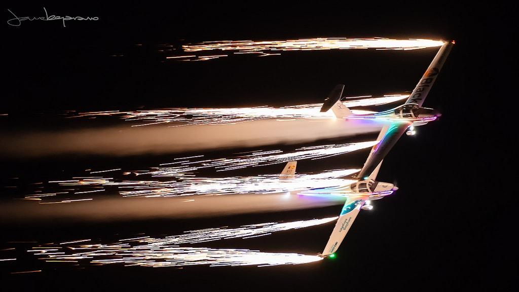 """""""Pirotecnia en vuelo"""" por Jose Antonio Bejarano. X-T2 + XF 100-400mm."""