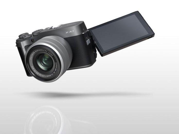 Pantalla articulada Fujifilm X-A7.