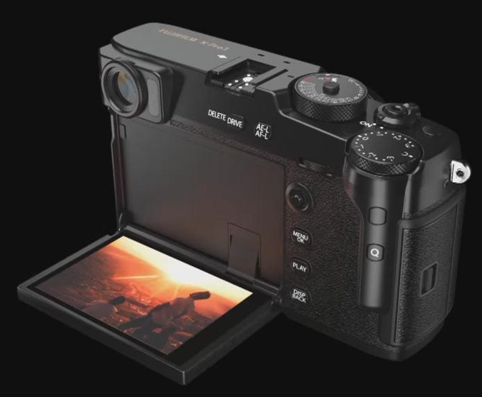 """Pantalla LCD """"oculta"""" abatible de la X-Pro3."""
