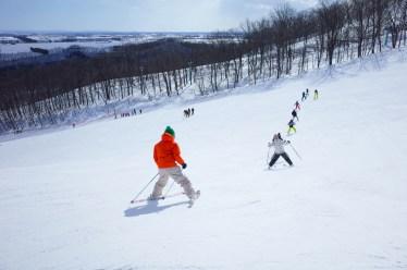 スキー初心者におすすめな滑り方とは?スキー練習方法について