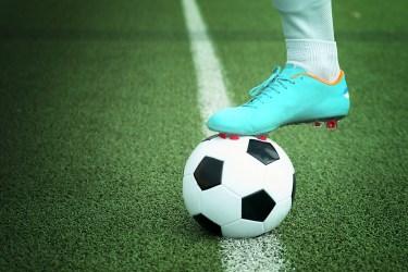 サッカーのパスの受け方・パスとトラップの正確な技術を習得