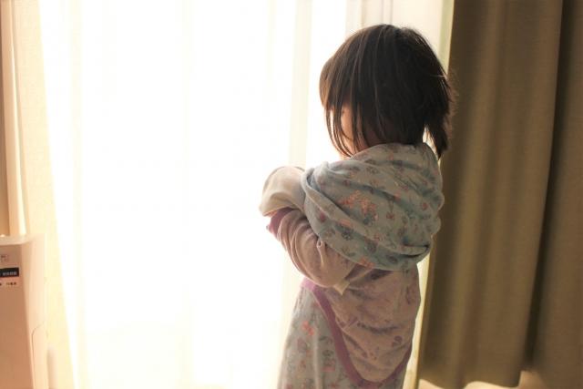 長袖・半袖の服が脱げなかった子供 (4歳)が、一発で脱げた脱ぎ方