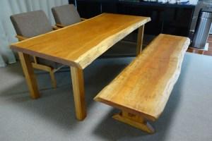 ブラックチェリー2枚接ぎダイニングテーブルと一枚板ベンチ