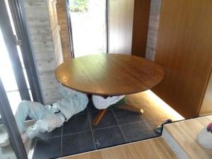 大型丸テーブル