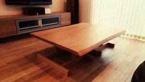 ビーチの座卓