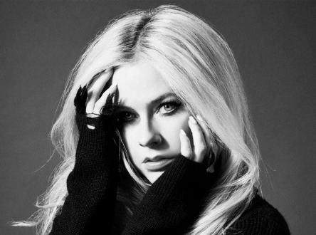 Avril Lavigne – We Are Warriors | 歌詞翻譯與歌曲介紹