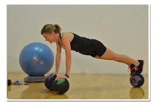 4 med ball balance