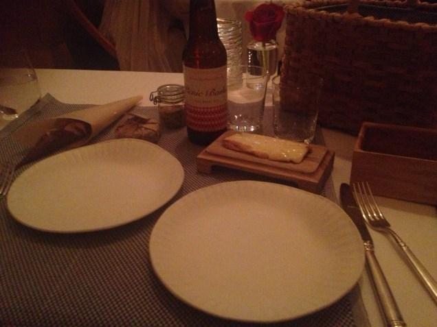 Cheese, pretzel bread, butter, pale wheat ale