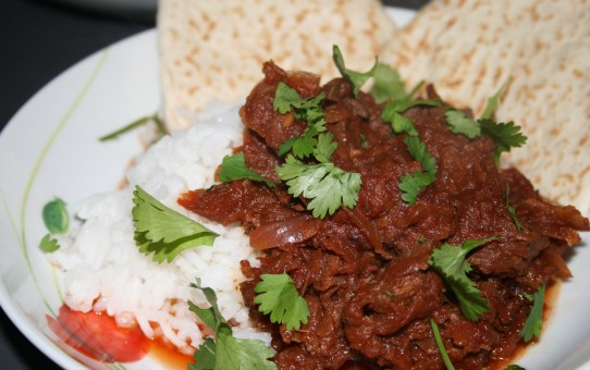 Slowcooked beetroot and beef curry (Chuckander Gosht)