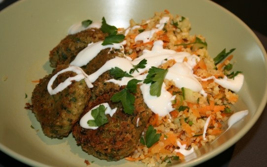 Quick falafel with carrot tabbouleh