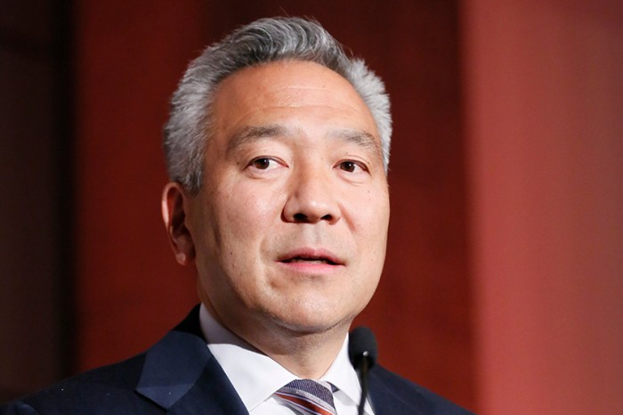 Warner Bros. CEO Kevin Tsujihara Stepping Down