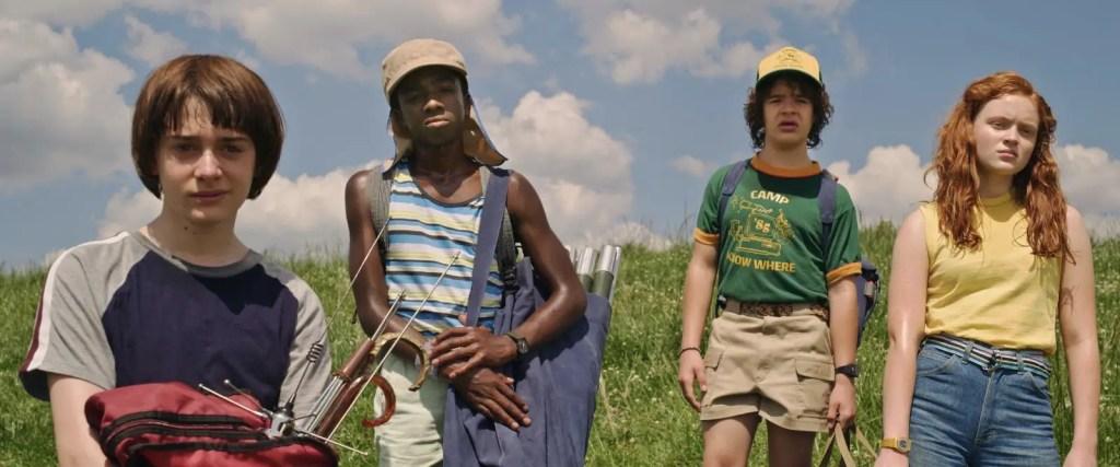 Stranger Things Season 3 - Kids in the Field