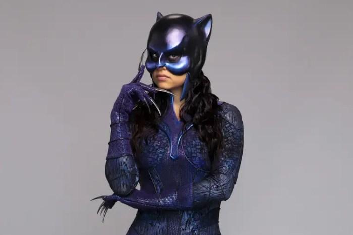 'Stargirl' Season 2 Behind-The-Scenes Photo Reveals Wildcat's New Suit