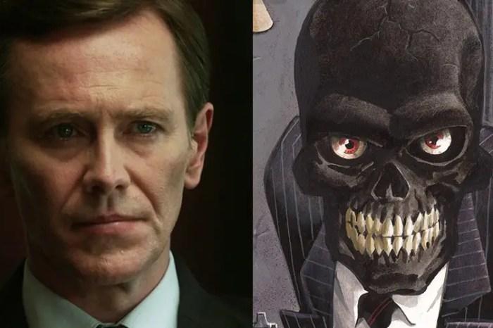 'The Umbrella Academy' Star Peter Outerbridge Joins 'Batwoman' Season 2 As Black Mask