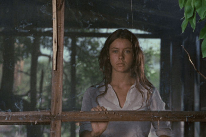 """Full Circle Flashback: 'Walkabout' Review: """"In Search of Lost Time"""""""