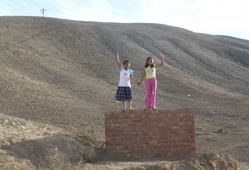 Zuinmy (left) with a friend