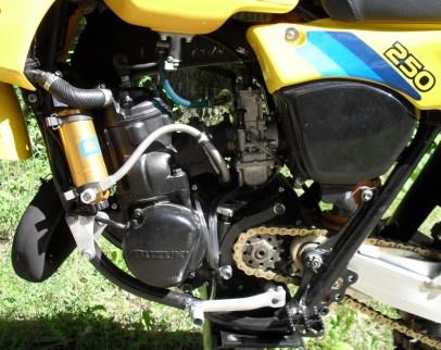 1982_Suzuki_RM250_motor