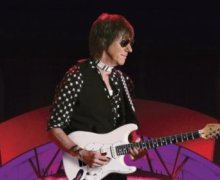 Jeff Beck to Release New DVD/CD, 'Live at the Hollywood Bowl'