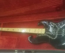 "Nirvana's Krist Novoselic, ""Super clean 1978 Ibanez Black Eagle for sale"""
