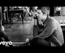 """Noel Gallagher: """"It's A Beautiful World"""" Behind the Scenes Footage"""