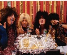 "Mötley Crüe Christmas Card: ""All we needed was a couple 8 balls of cocaine, a large mirror and voila"""
