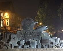 "Paul Rodgers on John Bonham Redditch Memorial, ""What better than to reveal John's statue in the middle of the dark night.  How perfectly Zeppelin."""