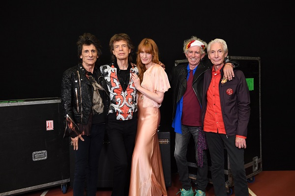 """Rolling Stones w/ Florence Welch London 2018 """"Wild Horses"""" Video - 'No Filter' Tour"""
