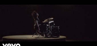 """Lenny Kravitz """"Low"""" Official Video Premiere"""