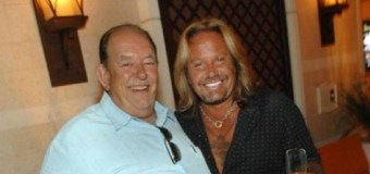 """Vince Neil Pays Tribute to Robin Leach = """"He was an amazing person"""" 2018"""